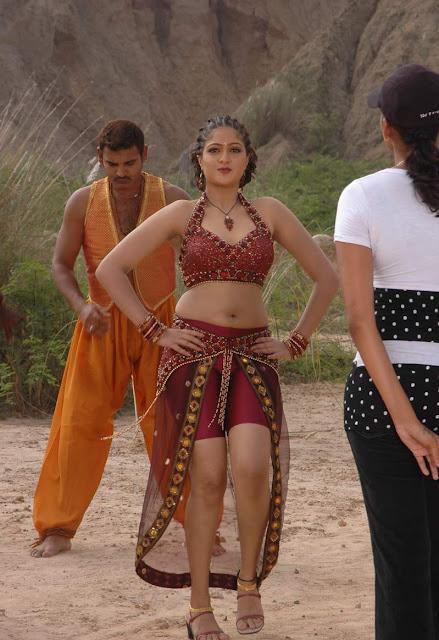 tamil actress in hot blouse stills from krishnaleelai tamil movie