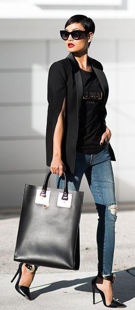 Look do dia - Casaco capa, calças de ganga e heels pretos