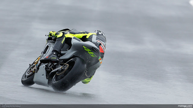 Foto-Yamaha-YZR-M1-Valentino-Rossi_6