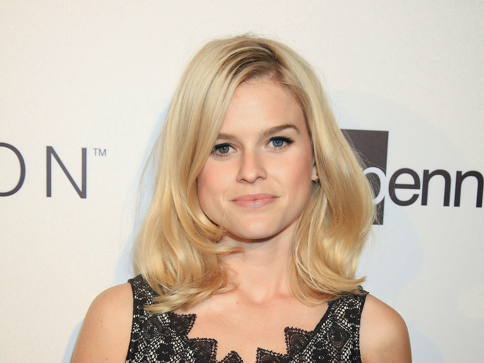 Free Download HD Wallpapers: Alice Eve HD Wallpapers