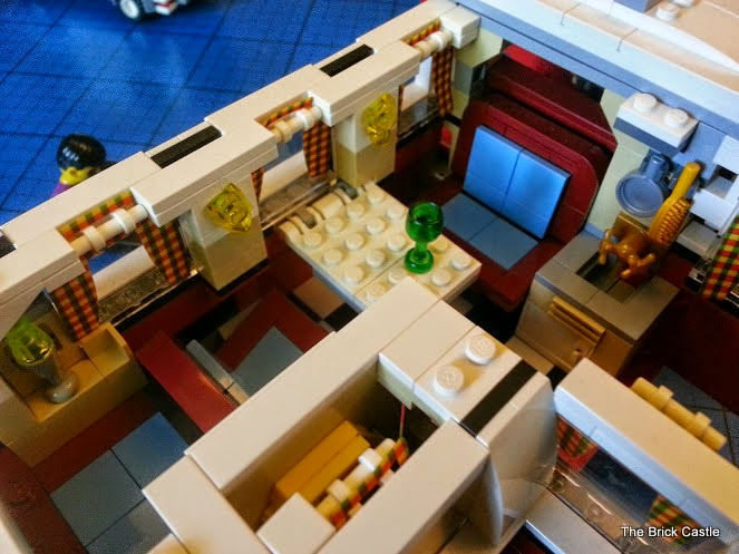 LEGO T1  Volkswagen Split screen Campervan set 10220 review interior