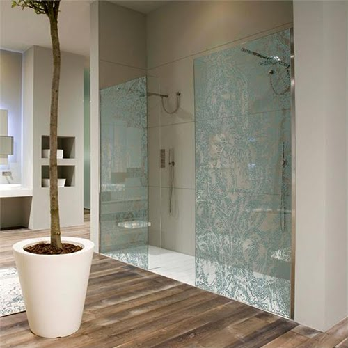 Bathroom designs for small spaces uk blackblitzkrieg for Bathroom designs for small spaces uk