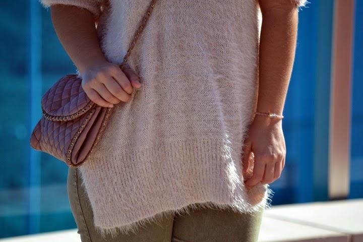 look_outfit_botines_DIY_purpurina_jersey_pelo_lolalolailo_02