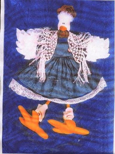Moldes galinha com vestidinho