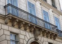 Balcon du 5 quai Voltaire à Paris