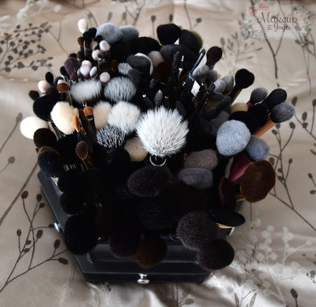 Black Spinning Brush Holder