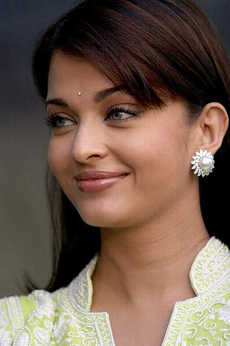 Aishwarya Rai Latest Hairstyles, Long Hairstyle 2011, Hairstyle 2011, New Long Hairstyle 2011, Celebrity Long Hairstyles 2016