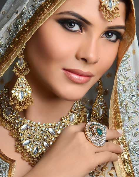 Latest Bridal Makeup & Hair Collection 2012 Styles By N-Pro Nabila ...