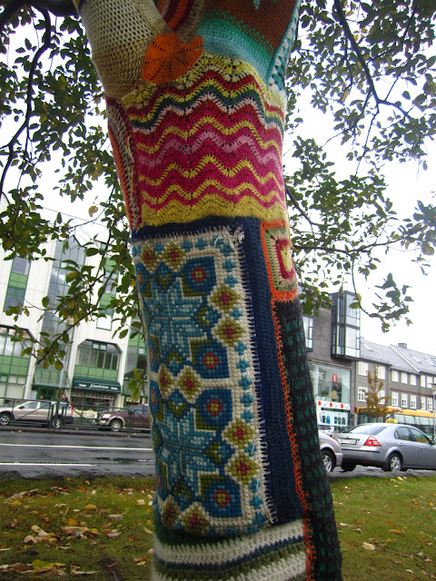 Guerilla knitting on a tree.
