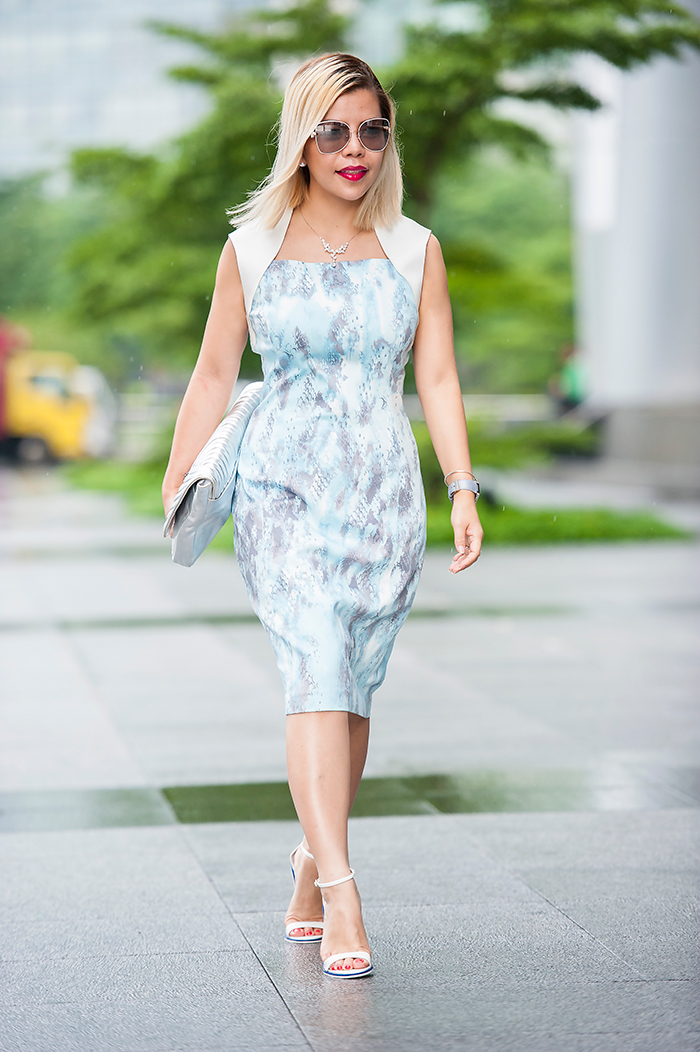 Singapore Fashion Blogger- Crystal Phuong wore Elie Tahari Snakeskin blue and white dress with Raoul silver clutch