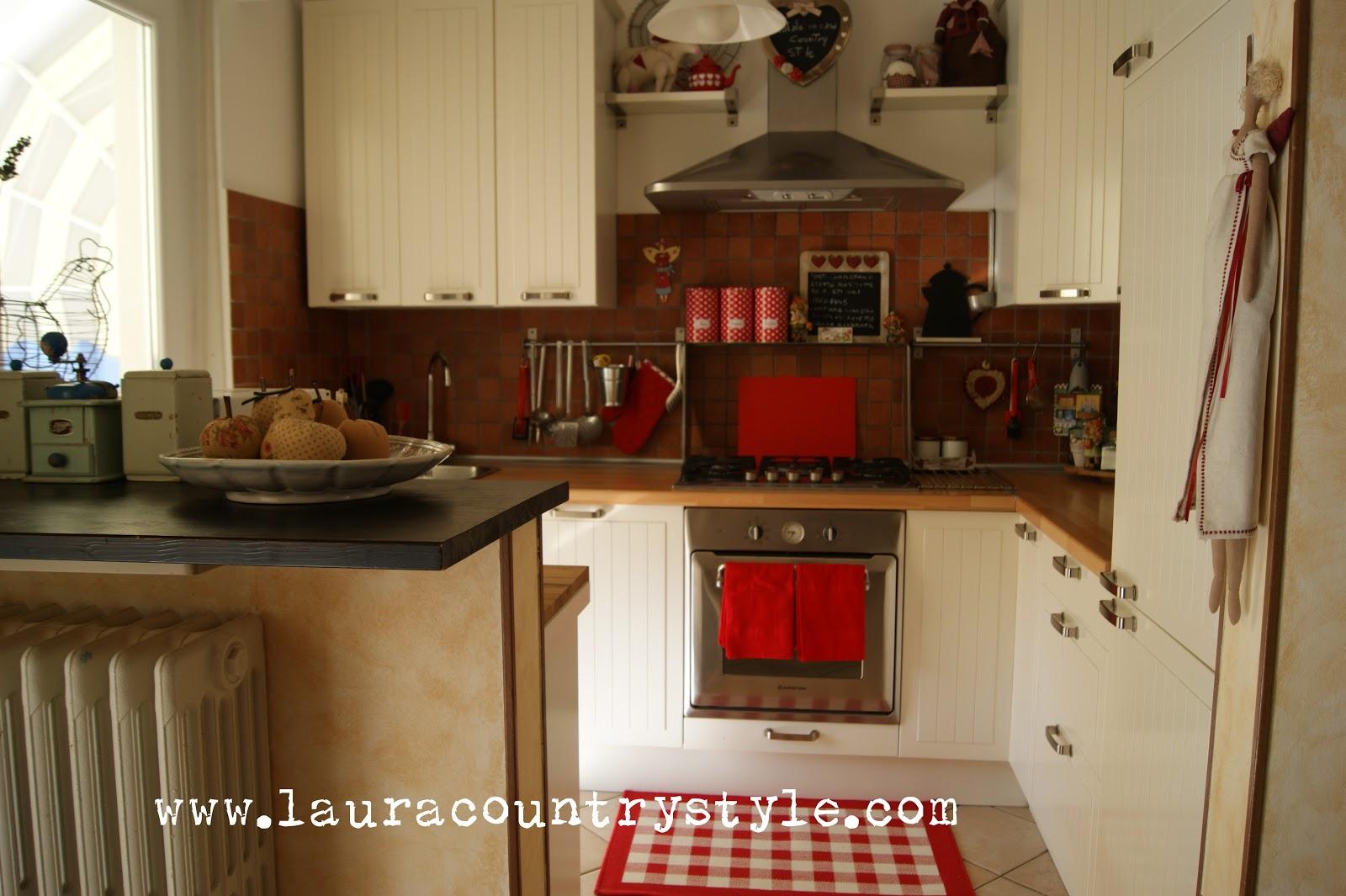 Laura country style di rosso vestita - Tappeto rosso ikea ...