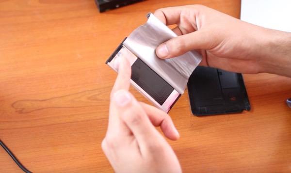 توفقوا عن تدمير بطارية هاتفكم لايوجد اي جهاز تجسس في بطارية سامسونغ وهذا هو الدليل