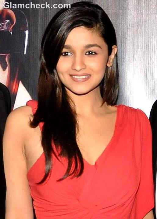 ALIA BHATT REVEALS HOW SHE HAS ALWAYS DREAMT OF BEING AN ACTRESS!