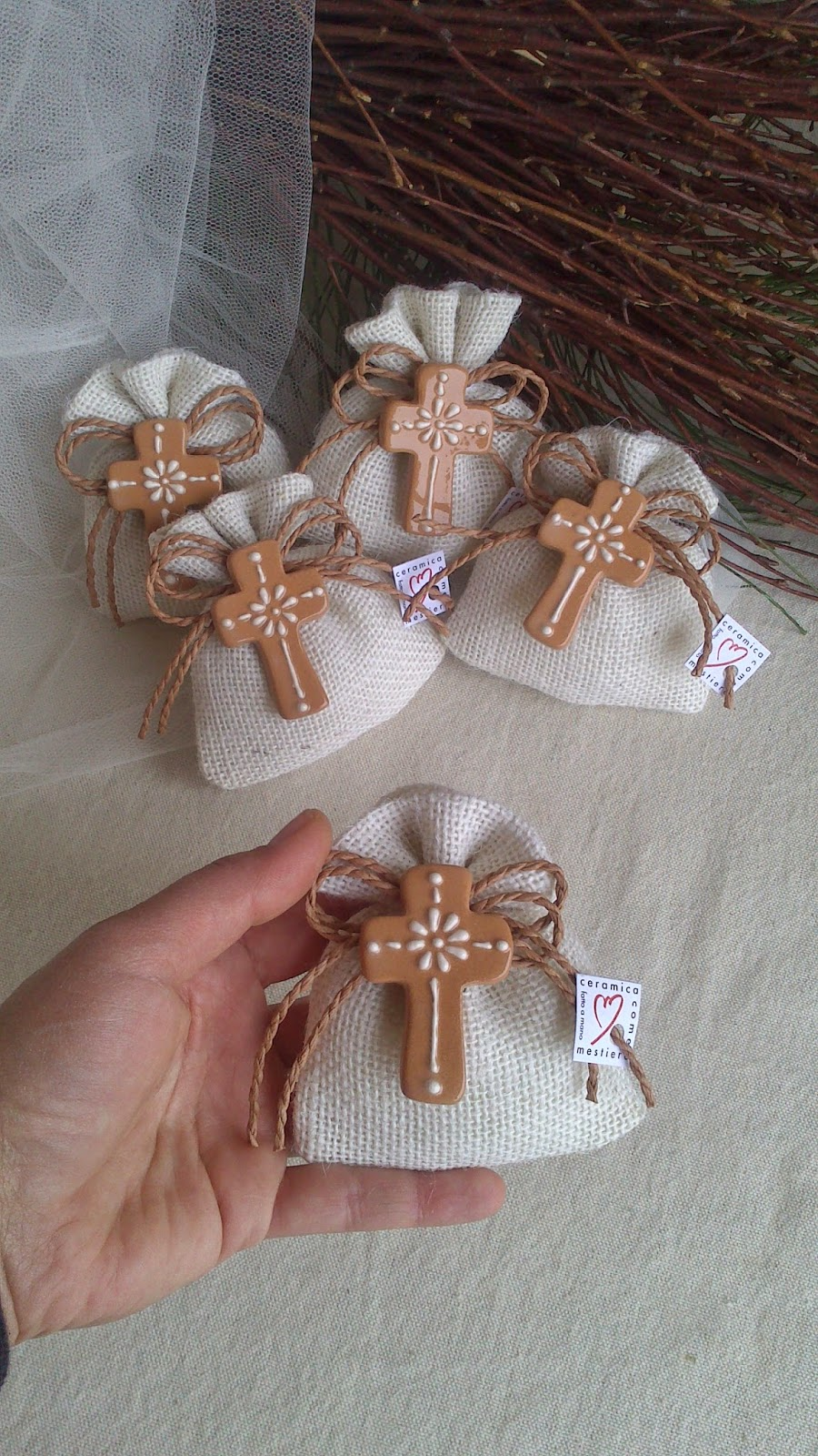 Ceramica come mestiere piccole croci magnete in cotto e - Como decorar un salon para comunion ...