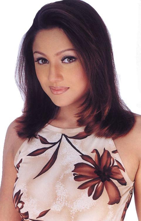 Kangaroo Tamil Movie Actress Priyanka Photos - Indian
