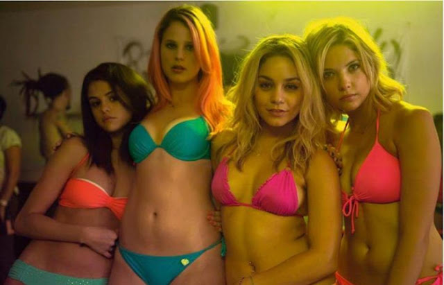 Spring Breakers | Film Review | Movie Review | SHELF HEROES