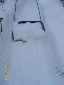 Tilaa lumimies talkkari kolaamaan lumet ja raivaamaan polku takapihallesikin