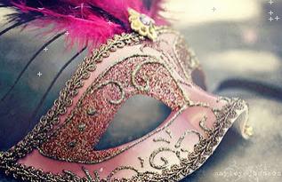 Una máscara.