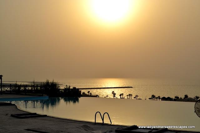 Sunset PoolThe Cove Rotana