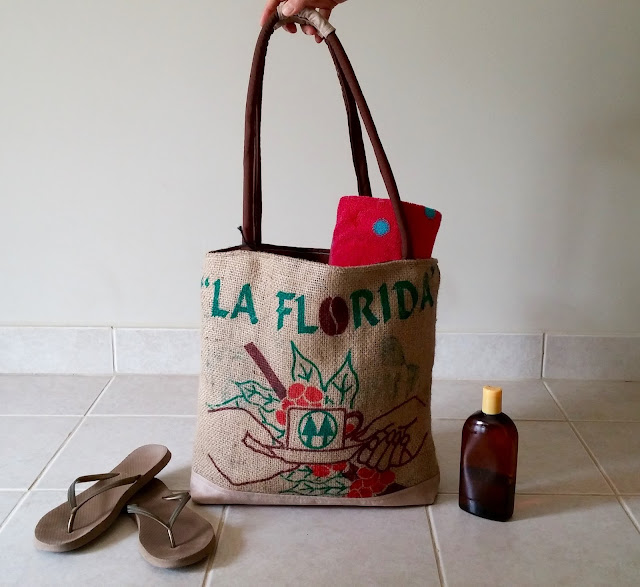 La Florida burlap bag - Lina and Vi - linaandvi.blogspot.com - front