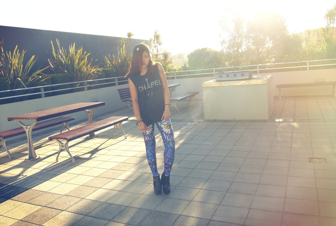 sunset photo on epique blog featuring chapel tee and owl leggings