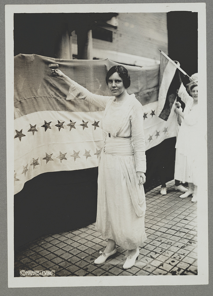 alice paul and the womens suffrage movement essay Alice paul was a women's rights activist and a key figure of the 20th century women's suffrage movement this biography of alice paul provides detailed information about her childhood, life, achievements.