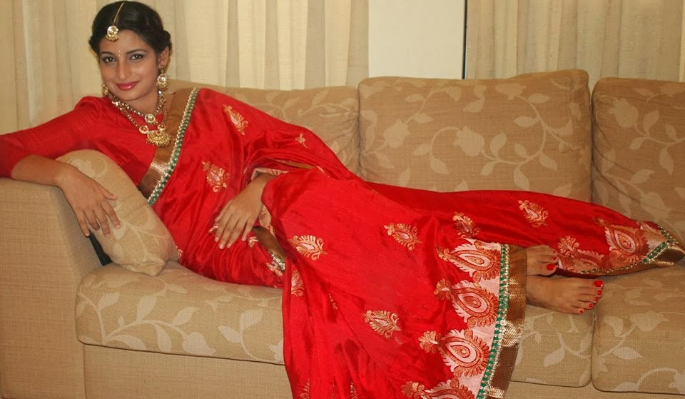 Madu Bogahawatta red saree
