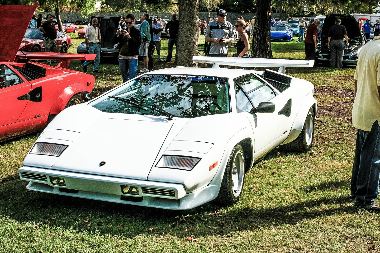 white lamborghini countach exotic car photos. Black Bedroom Furniture Sets. Home Design Ideas