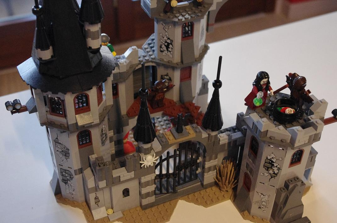 Lego Monster Fighters Dracula castle 9468 | Toys Japan