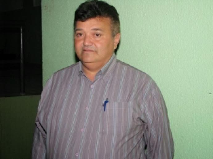 Ex-prefeito de Água Branca se envolve em acidente em Imaculada - PB