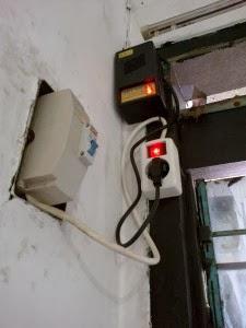 cara pasang penghemat listrik