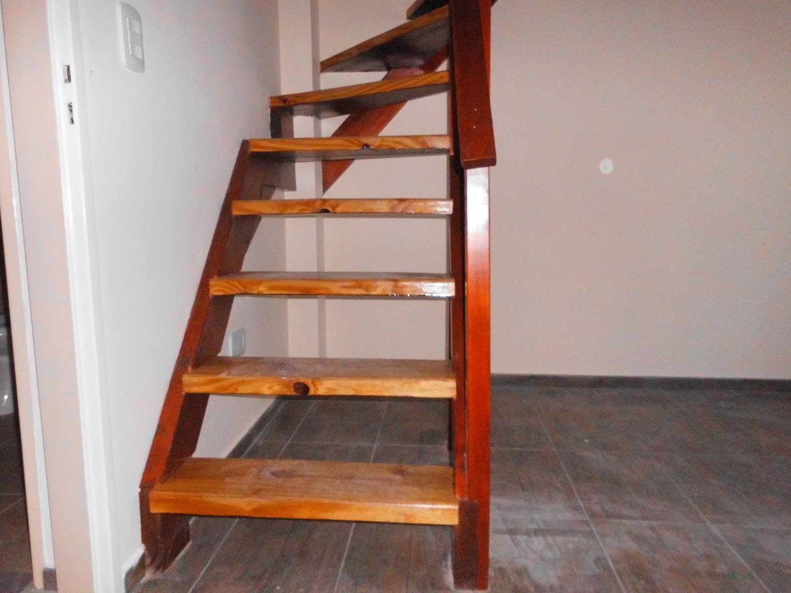 Entrepisos de madera escaleras escaleras - Escaleras de madera pintor ...
