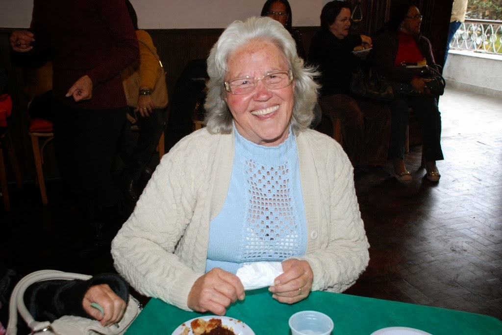A aposentada Zenith Silveira Ramos, de 70 anos, aprovou a confraternização