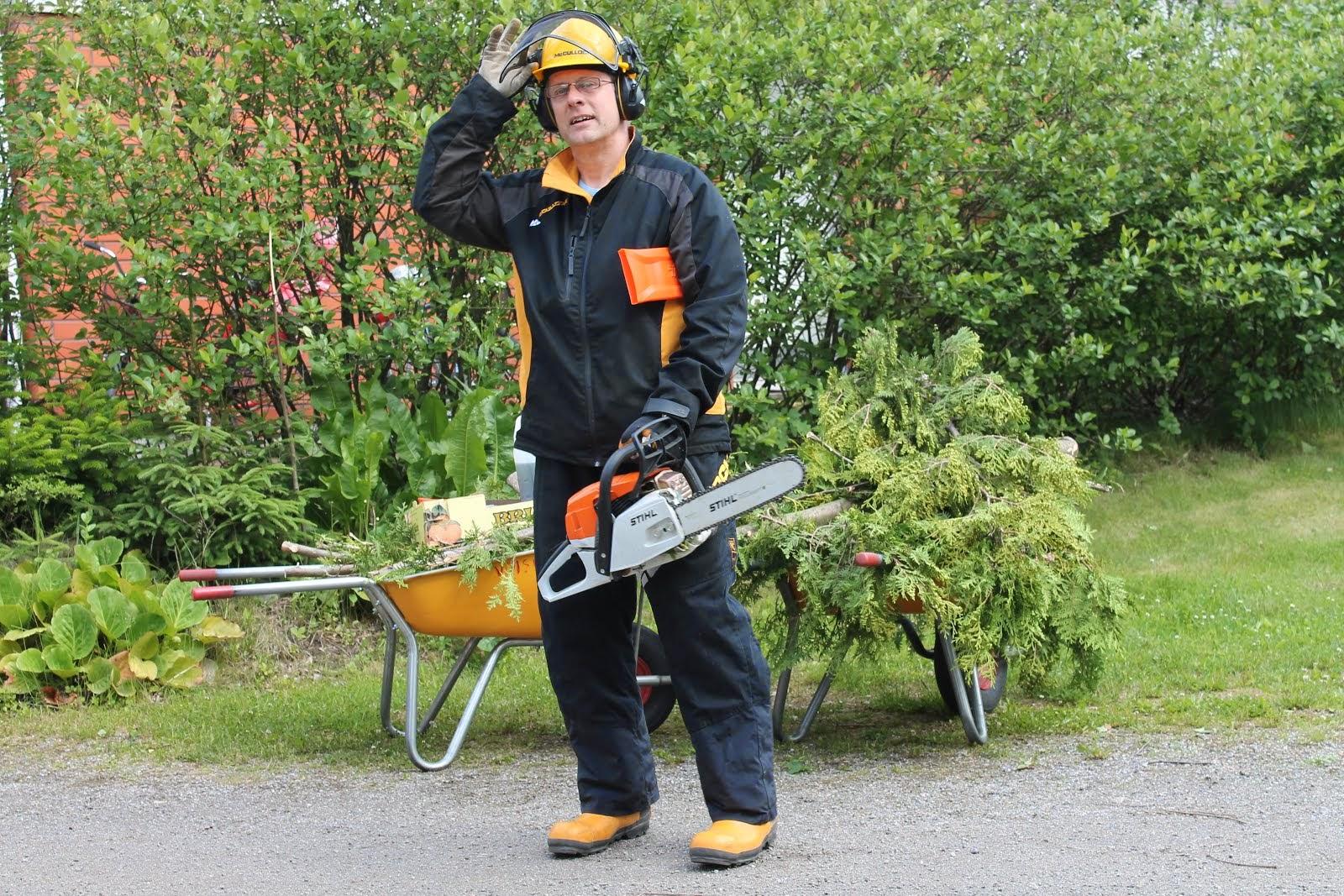 Apumiespalvelu Pirkanmaa toimii talkkari-, talonmies-, puutarha- ja pihatyöläisenä käteismaksulla