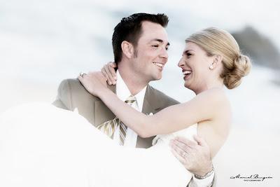 http://4.bp.blogspot.com/-BVDospycp5Q/Tl6QXKVRWyI/AAAAAAAAAhI/HTyeTksUuvo/s400/wedding_photography_cds1hr.jpg