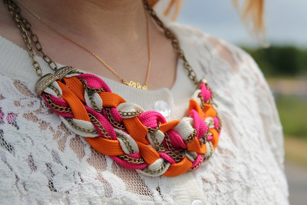 Collier tendance orange rose