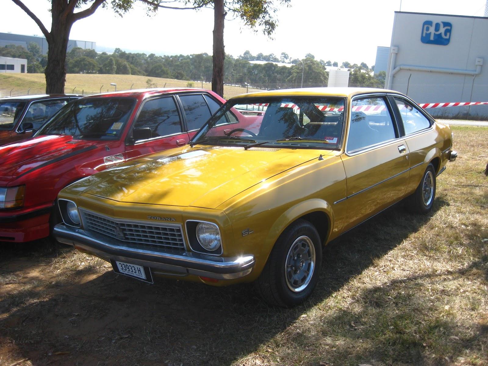Aussie Old Parked Cars: 1976 Holden LX Torana SL Hatchback