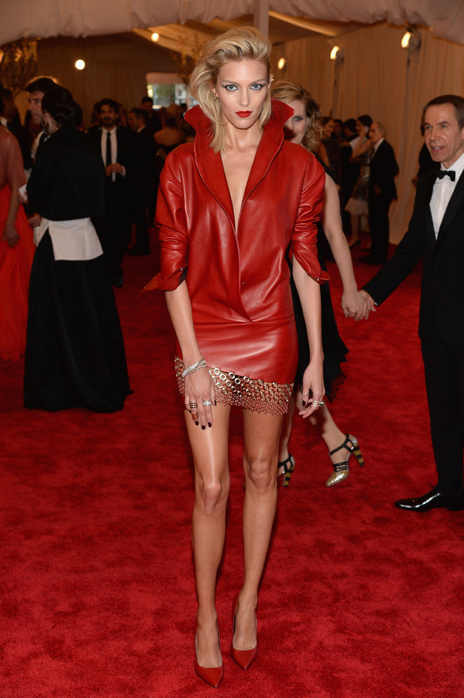 Платья из красной кожи