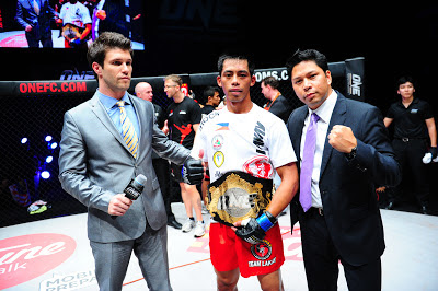 Honario Banario ONE FC Featherweight Champion Belt with Victor Cui