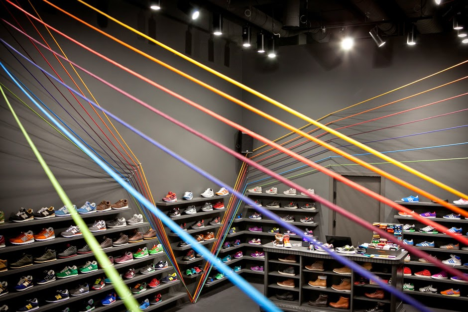 RunColors retail store, Poznań (Polonia), by mode:lina architekci