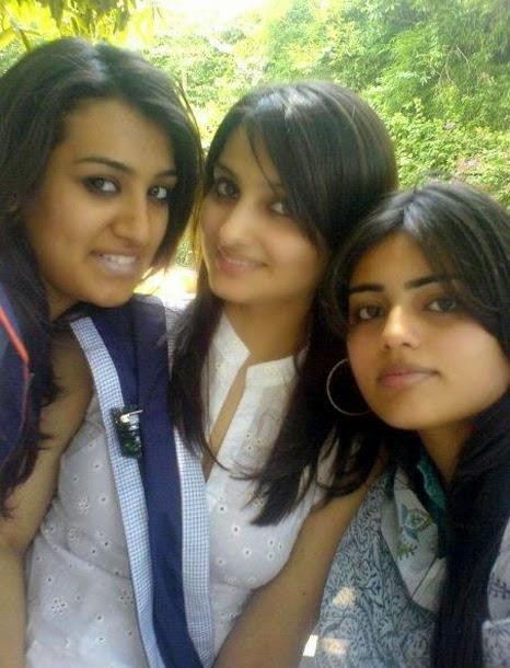 Desi College Girls Pics, Cute College Girls Photos