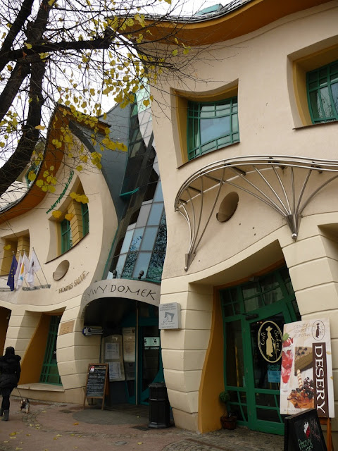 Building, Architecture, Cool Design, The Krzywy domek, crooked house, sopot, poland, weird, scary