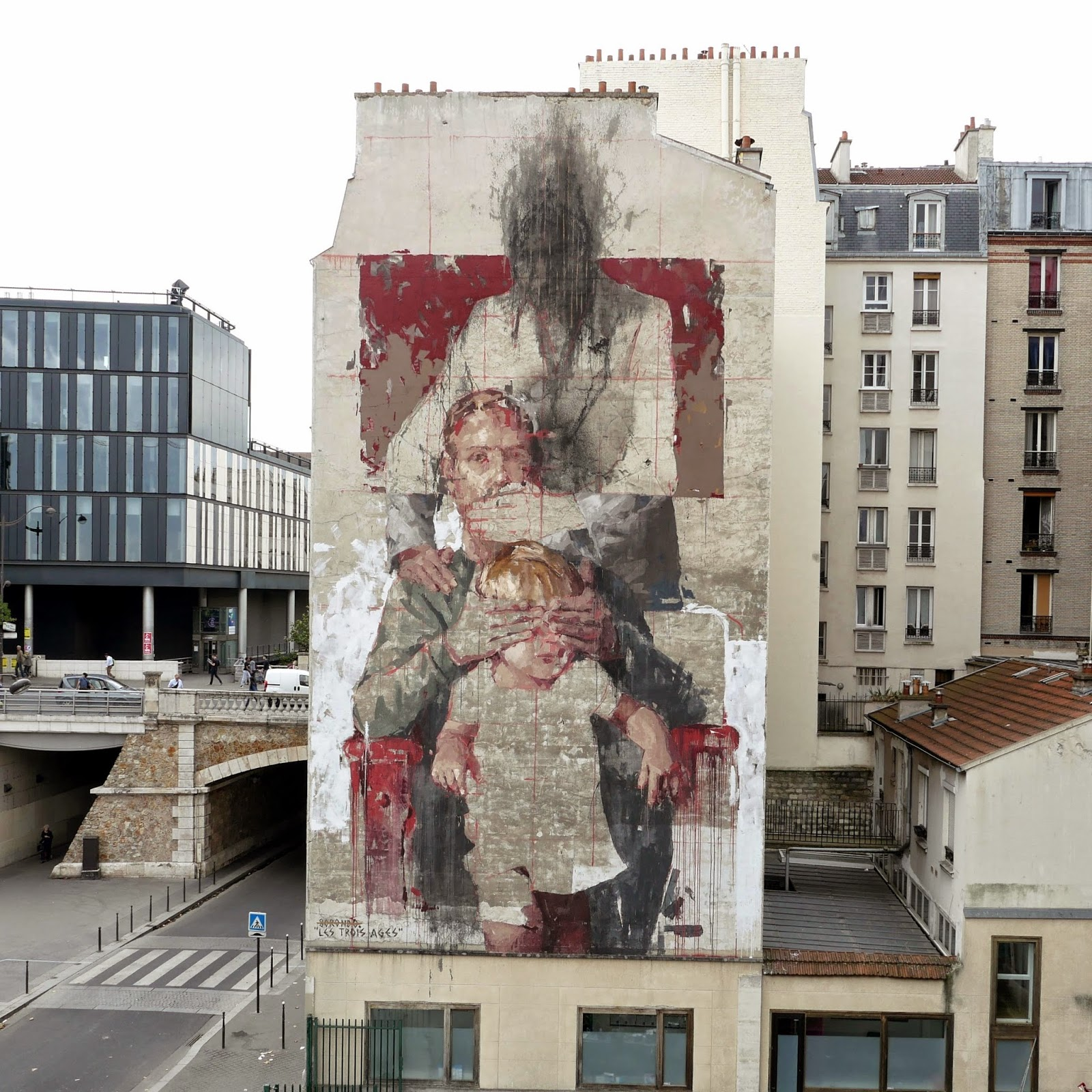 Our friend Borondo spent the last few days in Paris, France where he was invited to paint for the latest edition of the White Night.
