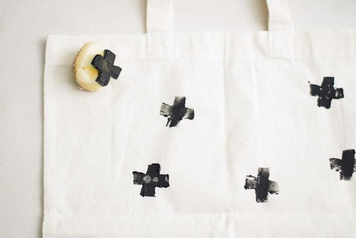 Estampar en tela diy con patata