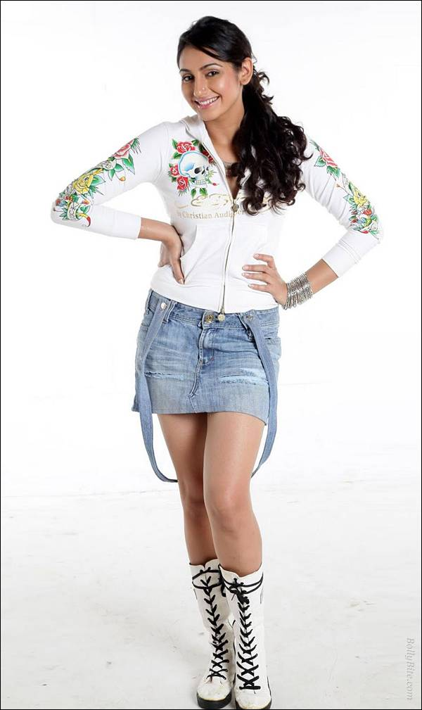 , Ragini Dwivedi Hot Photoshoot Pics