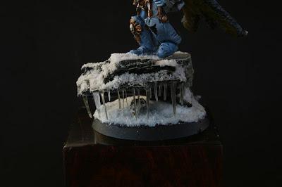 Detalle de los carámbanos de hielo de la peana de Logan Grinmar