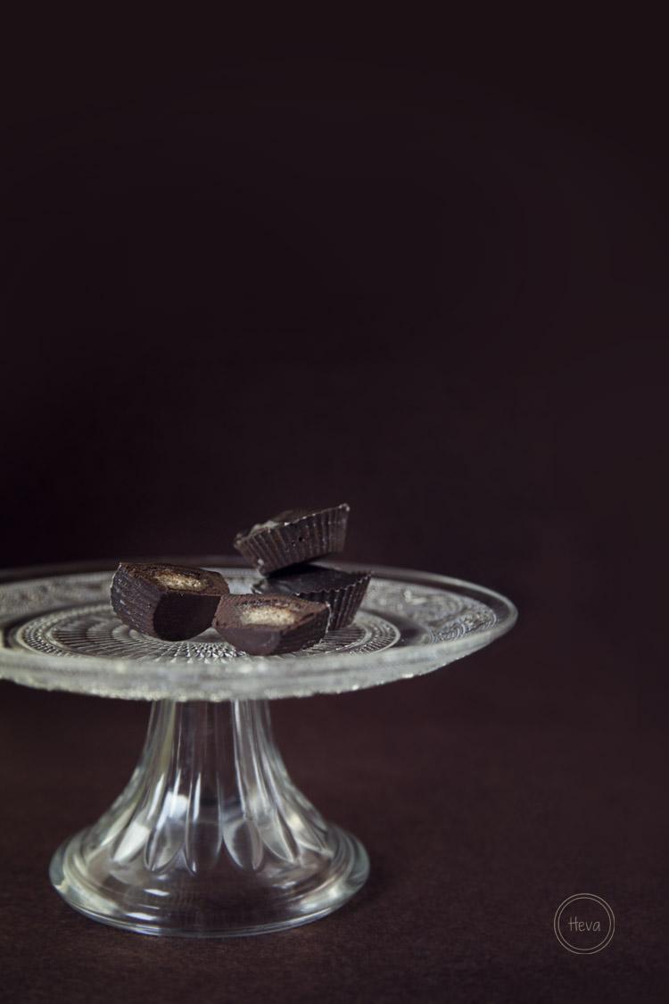 Chocolate relleno de praline de avellanas