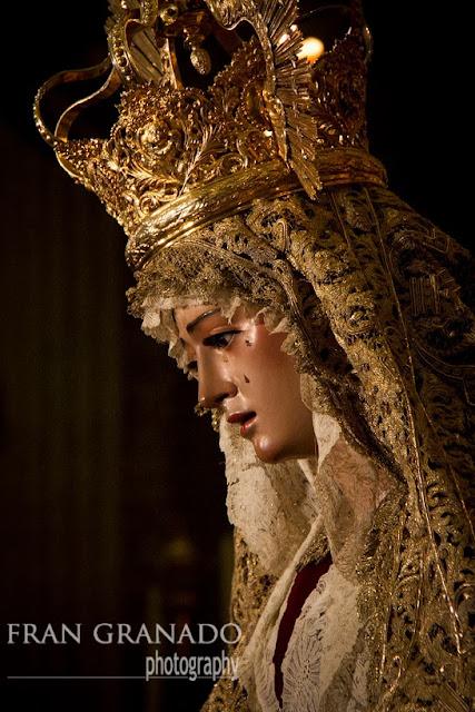 http://franciscogranadopatero35.blogspot.com/2013/12/la-virgen-del-socorro-le-tiene-la-mano.html