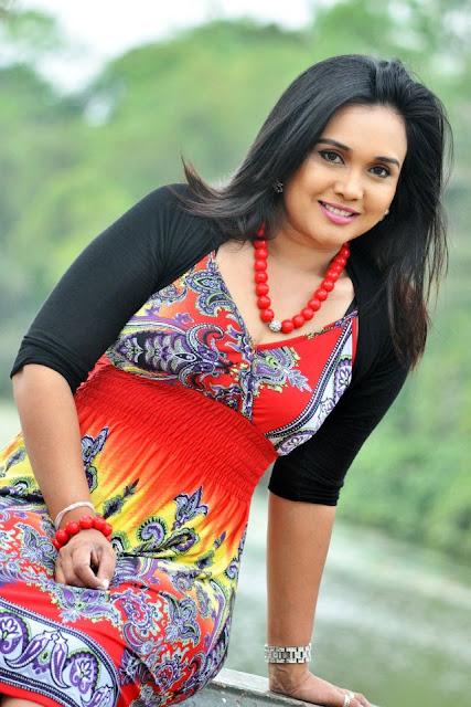 Gayathri Dias Hot