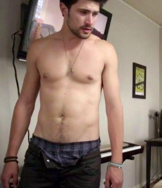 matt+dallas+shirtless.bmp